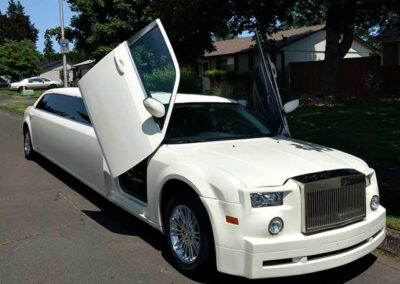 Happy-hour-with-all-events-limousine-in-vancouver,-wa